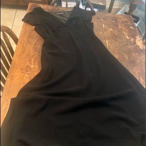 👗 3 for $25 Black formal v neck gown.